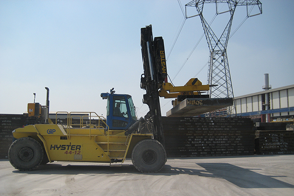 electromagnetic systems for fork lifts